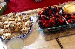 dessert-fruit-and-cookies